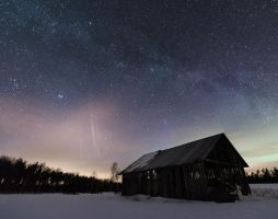 Barn Under the Milky Way by Laazeri