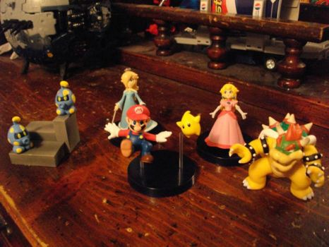 mario galaxy figures by DemiKid1000