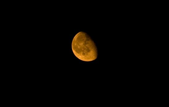 The Moon is Orange by guyperson