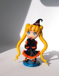 Halloween Usagi Sailor Moon polymer clay figure by Fegarostalida