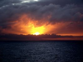 Firey Sunset on the Ocean by tkguess
