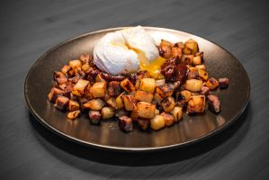 Beef, taters, poached egg and cuban ketchup by attomanen