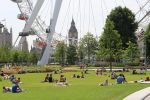 Summer comes to London by d3lf