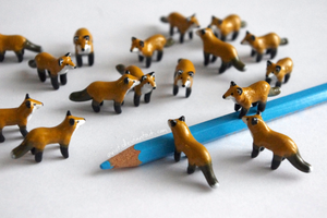 Mini foxes by Toivoshi