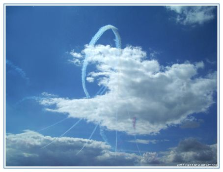 Red arrows over Bournemouth by Kerry1983