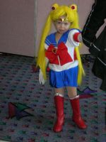 Chibi cosplay of Sailor Moon by missrelena