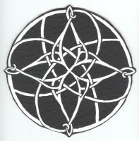 Celtic Knot 4 in Black+White by FlameoftheWest7