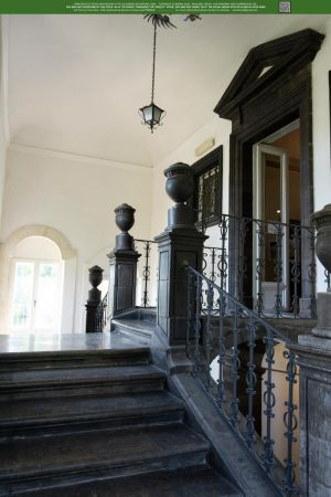 Stately Entrance UNRESTRICTED by Elandria