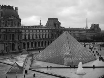Paris and the Louvre by samarinda