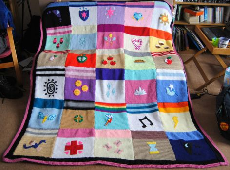 My Little Pony Blanket by themagpiesnest
