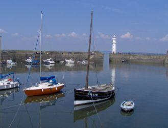 NEWHAVEN Harbour by tom1garry