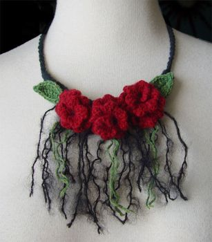 Crochet Noir roses necklace by meekssandygirl
