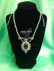 Chrystal healing : Macrame necklace with amethyst by Mawee79