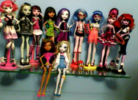 My Updated Doll Collection by DesuPanda98