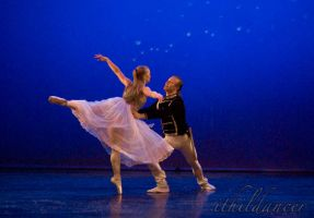 Clara and the Prince pas de deux by ithildancer
