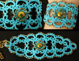 Turquoise and gold by Maszkai