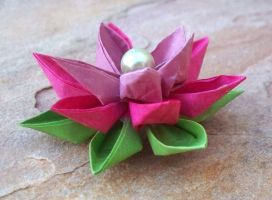 Lotus Flower Kanzashi by tiranaki