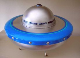 Flying Saucer by gibsart