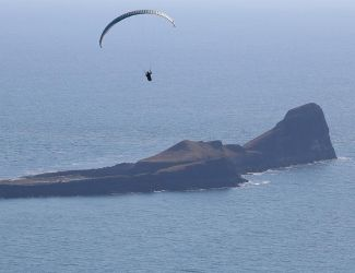 Paraglider and worms head 3355 by swanseamale47
