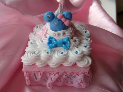 Blue Minnie Mouse Deco Box by Lustfulwish