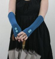 Turquoise fingerless gloves  and vintage buttons by WearMeUp