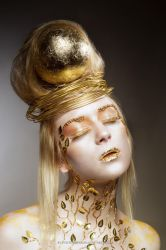 GOLDEN by teilie