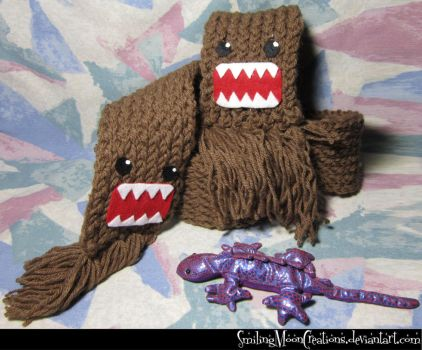 Domo-kun Scarf 1 by SmilingMoonCreations