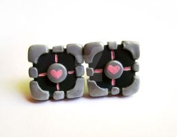 Companion Cube Earrings by mAd-ArIsToCrAt