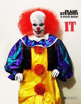 FRANK STRODEH: PENNYWISE - IT COSTUME / MASK 2017 by frankstrodeh