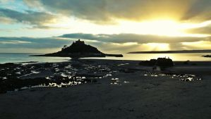 St Michaels Mount at Sunset by Ren-Mar