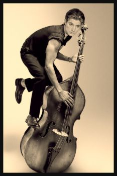 Contrabass by pompei77