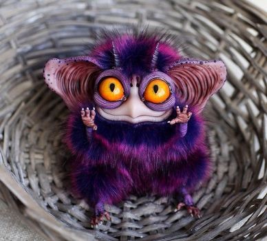 Sowl mini: Purple Imp by Santani
