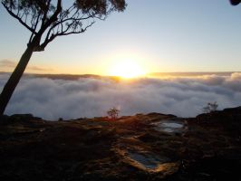 Sunrise on Mt Solitary 2 by misslysiak