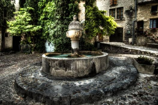fontaine Vaison la romaine by snapboy