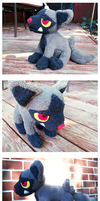 Poochyena Plush by nettlebeast