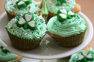 St Patrick's Cupcakes 1 by peeka85