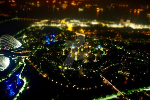Singapore's City Lights by ArtsyLynsy03