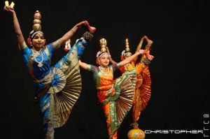 Indian folk dance by de-zwaluw