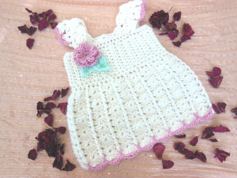 Crochet Toddler baby dress- Pink and white by Elvarinya