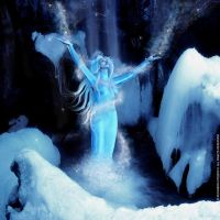 Ice Queen by ruxique