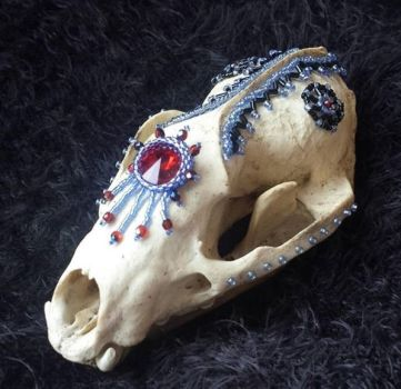 Beaded fox skull by Aditii
