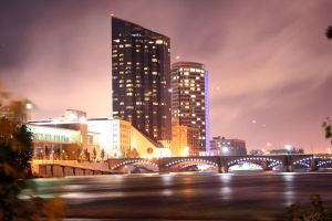 Lucky - Grand Rapids at Night by missheru