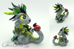 Silver Cayo Dragon - polymer clay sculpture by CalicoGriffin