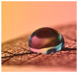 Rainbow drop by Serend1pity