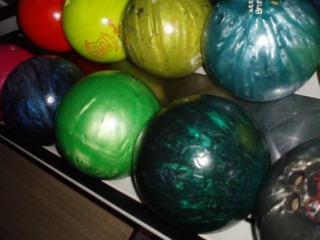 bowling by AdoresArt