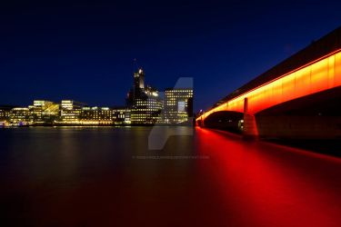 London Bridge Reflection by WideAngleJunkie