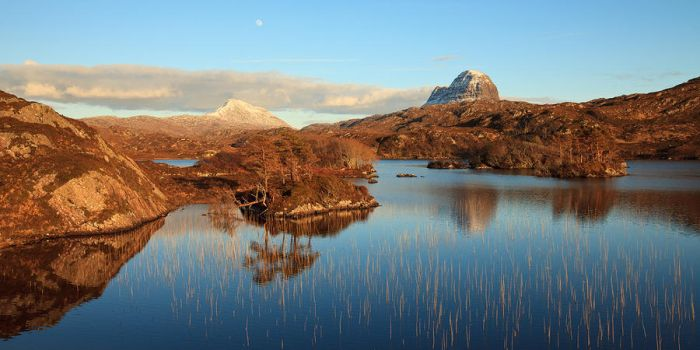 moon over canisp suilven by sassaputzin