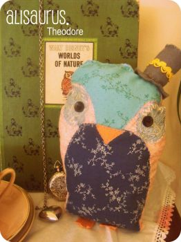 Mr Theodore Owl. by alannah-the-pirate