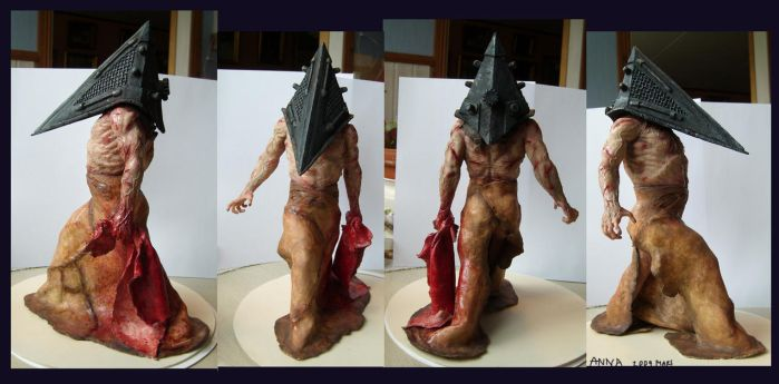 Pyramid head 2 painted by redtrackz