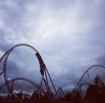 Rollercoaster by MysteriousMaemi